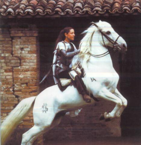 laura a cavallo.jpg - 38kB